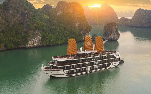 Tour 2N1Đ/ 3N2Đ Du Thuyền La Regina Legend Cruises 5 Sao Tại Quảng Ninh